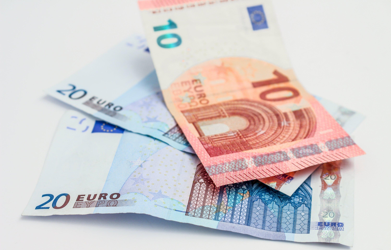 uang kertas barang ribawi